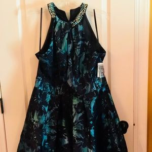 Dresses & Skirts - NWT Beautiful black and teal party dress